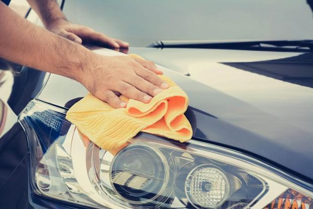 Poliauto - Higienização Externa do Veículo